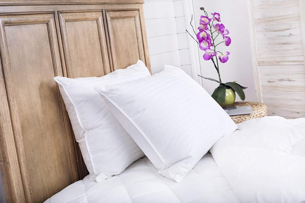 Continental Bedding Superior White Goose Down Pillow